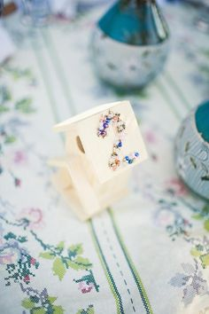 DIY birdhouse table numbers.
