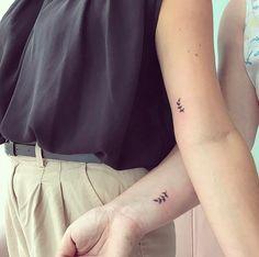 Ideas for tattoo sister flower matching Tattoo Ideas for tattoo sister flower matching Small Sister Tattoos, Matching Sister Tattoos, Sibling Tattoos, Couple Tattoos, Small Tattoos, Tattoo Sister, Cute Matching Tattoos, Sister Tattoo Designs, Diskrete Tattoos