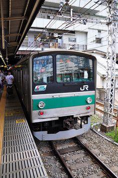 JR Green line train.