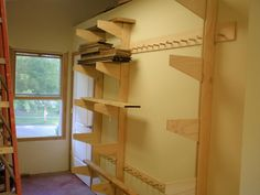 If you've been to a home improvement store for anything, you might already know cantilever support. Usually, he coats the wall behind the Diy Garage, Garage Storage, Tool Storage, Storage Spaces, Garage Ideas, Lumber Storage Rack, Lumber Rack, Workshop Storage, Home Workshop