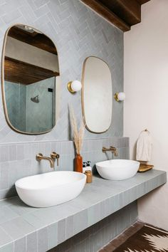 Fireclay Tile Transformations at JTH Posada – The Joshua Tree House Home Interior, Bathroom Interior, Interior Architecture, Fireclay Tile, Herringbone Tile, Tucson, Interiores Design, Bathroom Inspiration, Home Remodeling