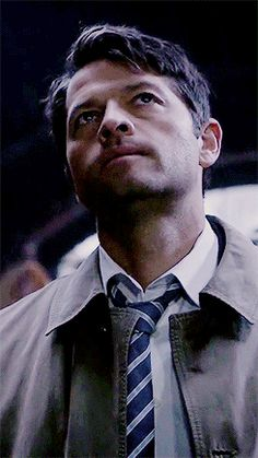 """Misha Collins as Castiel<<<<<<He's like, """"what the hey is it this time""""<<actually, I think that might be Casifer Jensen Ackles, Jensen And Misha, Misha Collins, Jared Padalecki, Castiel Aesthetic, Cas Supernatural, My Guardian Angel, Bobby Singer, Film Serie"""