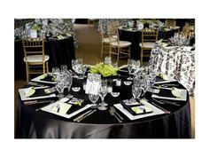 Mesa de boda con mantel negro