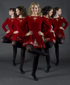 Motor City Irish Dancers- lovely pose!   Love love love the dresses and hair.