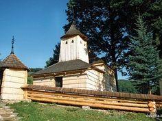 Krajné Čierno - Kostol sv. Bazila Veľkého - Drevené kostoly - Slovakia.travel