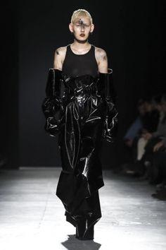Gareth Pugh Ready To Wear Fall Winter 2018 London Live Fashion, Fashion Show, Gareth Pugh, Catwalk, Runway Fashion, Ready To Wear, Fashion Photography, Fall Winter, Women Wear