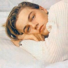 young leonardo dicaprio literally looks like your average crackhead white boy but he's so hot? he's so universally beautiful like why is mans so FINE - k 💘 Leonard Dicaprio, Young Leonardo Dicaprio, Titanic Leonardo Dicaprio, Beautiful Boys, Pretty Boys, Beautiful People, Titanic Film, Johny Depp, Ll Cool J