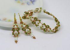 PDF Tutorial : Arshiya Bracelet and Earrings Digital by bybeejang Earring Tutorial, Bracelet Tutorial, Beading Tutorials, Beading Patterns, Swarovski, Beading Needles, How To Make Earrings, Bead Caps, Etsy Earrings