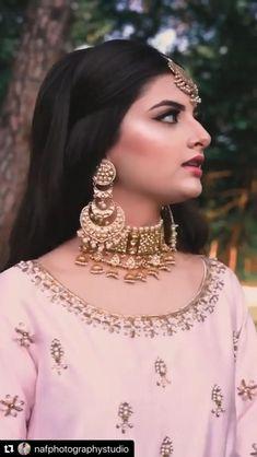 Pakistani Wedding Dance, Pakistani Bridal Couture, Indian Bridal Lehenga, Pakistani Bridal Dresses, Beautiful Songs, Beautiful Bride, Wedding Bride, Wedding Dress, Desi Love