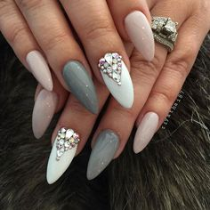 Nails nude grey white