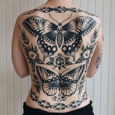 "1,080 Me gusta, 10 comentarios - Esther Mulders (@esther_mulders) en Instagram: ""Hope everyone is well and staying safe. Here's a healed back piece from a while back. Can't wait to…"" Full Back Tattoos, Back Tattoo Women, Tattoos For Women, Fate Tattoo, Big Tattoo, Celtic Tattoos, New Tattoos, Tatoos, Traditional Tattoo Back Piece"