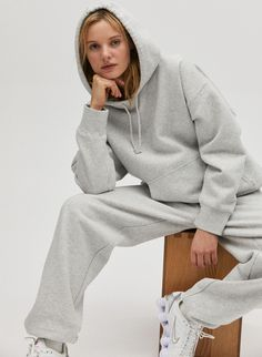 This is an oversized hoodie with a drop shoulder and a front kangaroo pocket. It's made with Tna's cozy Classic Fleece, an ultra-plush brushed fabric. Boyfriend Sweatpants, Sweatpants Outfit, Hoodie Outfit, Athleisure Fashion, Boyfriend Style, Cool Hoodies, Lounge Wear, How To Wear, Tumblr Outfits