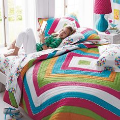 Ariana Quilt / Sham - Bring on the color! This original patchwork quilt for kids showcases rows of diamonds in fun, hyper-bright hues. Our Ariana Kids' Quilt is quilted by hand of soft, pre-washed cotton for year-round comfort. Quilt Baby, Twin Quilt, Quilt Bedding, Teen Bedding, Modern Bedding, Luxury Bedding, Bedding Sets, Quilt Block Patterns, Quilt Blocks