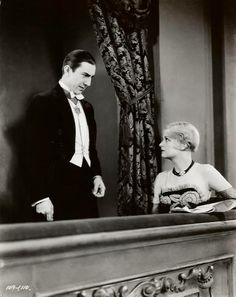 - Here's Bela Lugosi and Frances Dade in a scene from Universal's 1931 horror classic, Dracula. Dracula Film, Count Dracula, Classic Horror Movies, Horror Films, Horror Art, Famous Monsters, Old Hollywood Glamour, Vintage Hollywood, Classic Hollywood