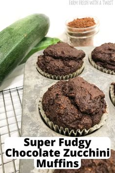 These fudgy chocolate muffins are secretly packed with zucchini, and are so moist and delicious you'd never be able to tell! These super fudgy chocolate zucchini muffins make for a healthy breakfast or snack, that even kids would love. They are a great way to sneak in some hidden veggies. They're so good that they would even satisfy a chocolate craving and leave you feeling guiltless! If you want some double chocolate action, feel free to throw in some chocolate chips as well! #glutenfree #vegan Healthy Muffin Recipes, Healthy Muffins, Real Food Recipes, Healthy Snacks, Low Carb Quiche, Gluten Free Peach, Chocolate Zucchini Muffins, Quick Easy Vegan, Sweet Potato Hash