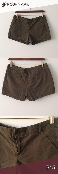 GAP Green sunkissed khaki Shorts Sunkissed khaki cotton shorts. Size 6. Gap Shorts