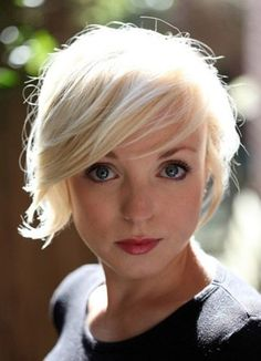 feminine short hairstyles fine hair