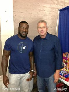 My two all-time Niners. Legends Joe Montana and Patrick Willis. Niners Girl, Sf Niners, Forty Niners, Nfl 49ers, 49ers Fans, Nfl Football, Football Season, Patrick Willis, 49ers Players