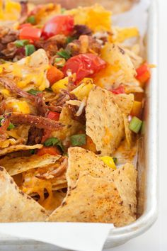 Tender, seasoned Pulled Pork makes the perfect topping for cheesy nachos. Give them a creamy, spicy twist – serve with prepared Epicure's Chipotle, Bacon & Cheddar Dip! Epicure Recipes, Mexican Food Recipes, Snack Recipes, Cooking Recipes, Ethnic Recipes, Snacks, Epicure Steamer, Pulled Pork Nachos, Yummy Eats
