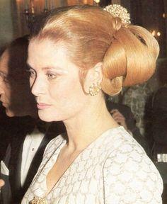 Princess Grace at Maxim's restaurant in Paris on October 28, 1970
