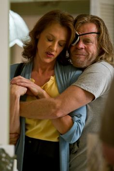 Still of Joan Cusack and William H. Macy in Shameless (2011)