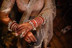 New and Trendy Bridal Mehndi designs that will rule hearts! Indian Bridal Outfits, Indian Bridal Fashion, Indian Wedding Jewelry, Ethnic Wedding, Indian Weddings, Indian Dresses, Bridal Mehndi Designs, Bridal Henna, Henna Designs