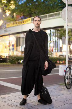 ストリートスナップ [Rus Brockman] | JULIUS, Yohji Yamamoto, ユリウス, ヨウジヤマモト | 表参道 | Fashionsnap.com