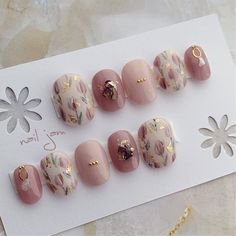 Tulip Nails, Flower Nails, Red Nail Designs, Creative Nail Designs, Gorgeous Nails, Pretty Nails, Nail Parlour, Japan Nail Art, Pink Nail Art