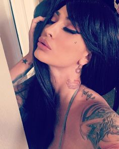 QUEEN ESTHER HANUKA | I am Guatemalan and Israeli. I am a professional model