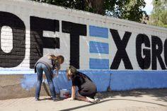 Auch die Hoftex Group bekommt ihr Logo gepinselt