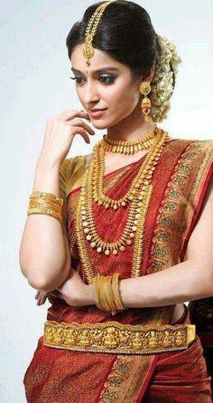 Flawless bridal look! Indian Dresses, Indian Outfits, Hindu Bride, Bengali Bride, Ileana D'cruz, Saree Wedding, Bridal Sarees, Wedding Bride, Hair Wedding