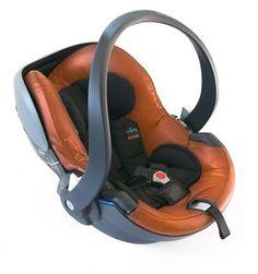 El portabebés de Grupo 0+ BeSafe iZi Go se instala en sentido contrario a la marcha, utilizando el cinturón de seguridad de 3 puntos del coche. El Grupo 0+ iZi Go cuenta con anclaje de fijación universal, por lo que puede montarse en cualquier carrito o silla de paseo que disponga de adaptador compatible con Maxi Cosi.