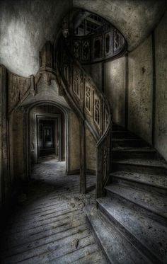 17 Best images about Geheimnisvolle & vergessene Orte - Abandoned Forgotten Scary Ghost Places - lieux oubliés - luoghi dimenticati - vergeten plaatsen - ลืม …