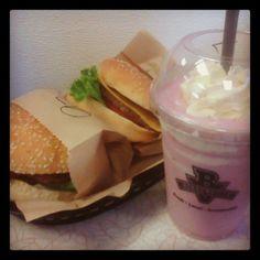 Nothing like a little @BurgervilleUSA on a #summer day. Tillamook cheeseburgers and a fresh raspberry shake. #food #foodporn #Burgerville