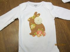 Easter bunny applique with felt flower! my girls need this! CAUUTTEE
