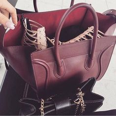 Boss Chick Via @fashionclassypost #bombshell #bombshells #bombshelllooks #designer #designershoes #designerfashion #luxury #designerhandbag #instapic #instagood #instalike #instadaily #anastasiabeverlyhills #womeninbusiness #womenentrepreneurs