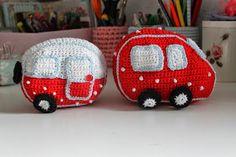 En kreativ verden: En hæklet bil til caravanen.
