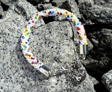 Full of colors handmade bracelet. Enjoy!