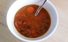 Zelfgemaakte Bruine Bonensoep is een aanrader tijdens deze periode van het jaar. Lekker stevig en vol van smaak! Veel kookplezier!