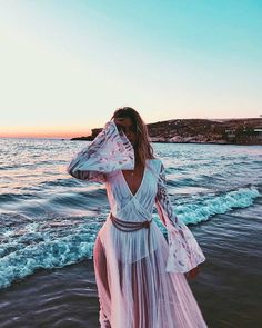 The ocean is full of untamed magic High Fashion, Womens Fashion, Fashion Tips, Style Fashion, Latest Fashion, Tumblr Girls, Beautiful Outfits, Outfit Of The Day, Fashion Photography