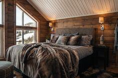 Bedroom Themes, Bedroom Decor, Alaskan Homes, Mountain Cabin Decor, Aspen House, Cabin Interiors, Cozy Cabin, Log Homes, Lodges