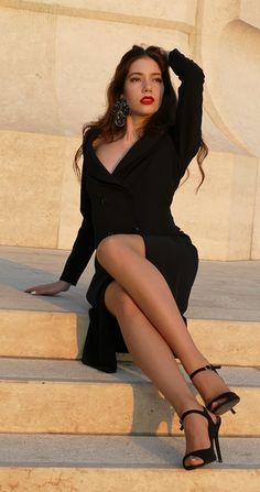 #orovica #orovicafashion #blazerdress #tuxedo #doublebeasted Double B, Tuxedo Dress, Blazer Dress, 21st, Outfits, Dresses, Vestidos, Suits, Dress