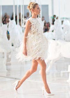 Solely Weddings: Kate Moss closes out the Louis Vuitton S/S 2012 Paris Presentation