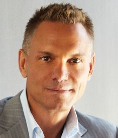 Kevin Harrington, one of the most successful entrepreneurs of our time talks about how you can create success from almost anything. Being able to spot a problem or recognizing when a product or service could be improved is the first step to becoming an entrepreneur. More than likely, you are already full of great ideas and don't even know it.   http://www.stansberryradio.com/James-Altucher/Latest-Episodes/Episode/746/Ep-49-Kevin-Harrington-The-Greatest-Salesman-Ever