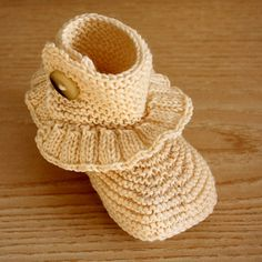 Knitting Pattern (PDF file) Step by Step Toddler Boots ( 18 years) Knit Baby Booties, Crochet Boots, Knit Boots, Knitting For Kids, Baby Knitting, Baby Bootees, Toddler Boots, Shoe Pattern, Knit In The Round