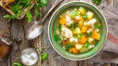 Soupe légère Cheeseburger Chowder, Cucumber, Detox, Curry, Ethnic Recipes, Health, Food, Elna, Gramm