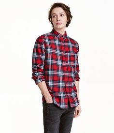 Red/dark blue. Long-sleeved shirt in brushed cotton flannel with collar and…