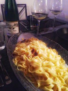 Tagliatelle con tartufo #food @foodporn  https://morgatta.wordpress.com/2015/11/26/il-rientro-perfetto-e-la-cena-doppia-t/