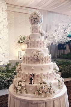 Wedding Cakes - the must try eye pleasing pin inspiration number 4392252404 Extreme Wedding Cakes, Extravagant Wedding Cakes, Luxury Wedding Cake, Diy Wedding Cake, Elegant Wedding Cakes, Beautiful Wedding Cakes, Wedding Cake Designs, Beautiful Cakes, Amazing Cakes