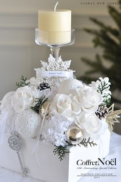 Christmas or winter wedding Candle Arrangements, Christmas Flower Arrangements, Christmas Flowers, Christmas Gift Box, Christmas Table Decorations, Christmas Mood, Christmas Candles, White Christmas, Floral Arrangements